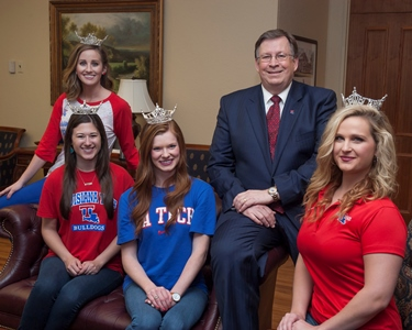 From left - Meagan Lee, Anna Blake, Eva Edinger, Louisiana Tech President Les Guice, and Morgan Tanner (not pictured - Julianne Tippen.)