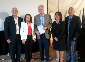 From L-R: Rolando Sierra Fonseca, Dr. Mélida Velásquez Lambur, Dr. Stephen Webre, Marta Elena Suazo and Omar Turcios.