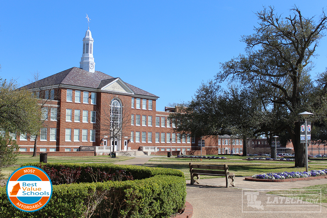 Looking at Keeny Hall from the Quad