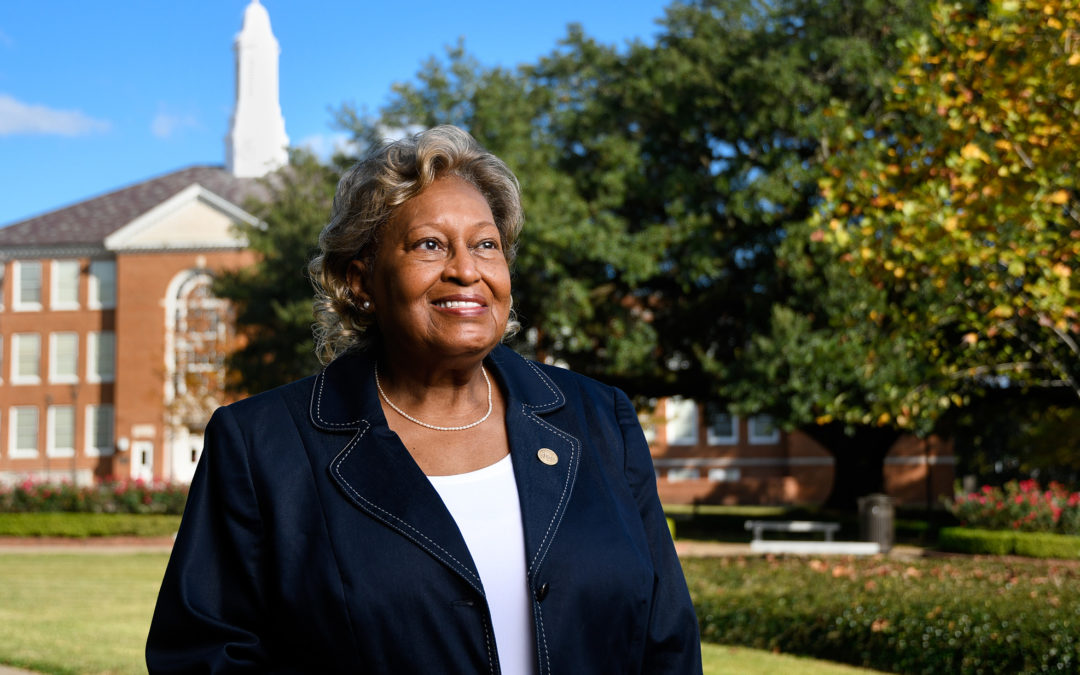 Bertha Bradford-Robinson, '76, to give Fall Commencement Address