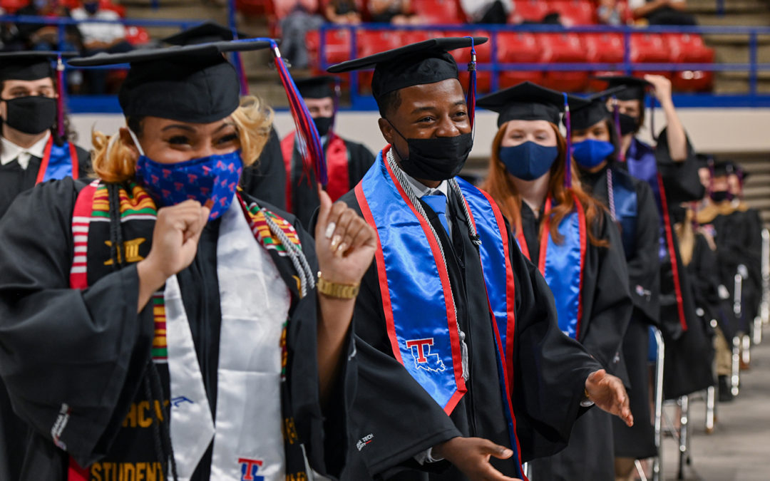 Louisiana Tech sees 364 graduate in Winter Commencement
