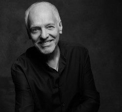 Register for songwriting masterclass with Grammy-winning Peter Frampton