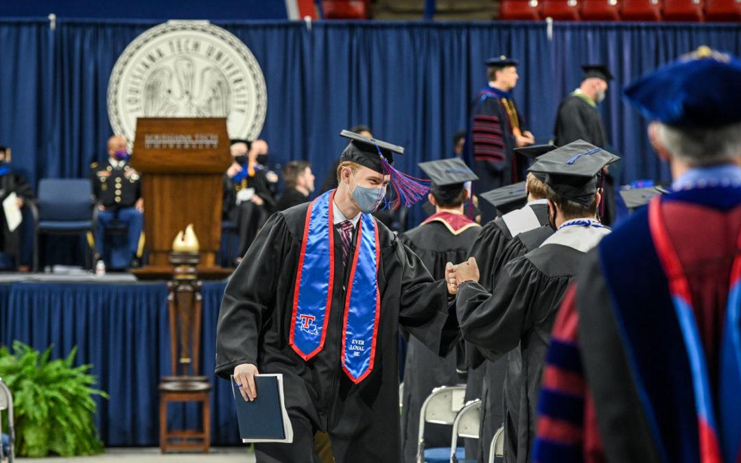 Louisiana Tech graduates second-largest class in history