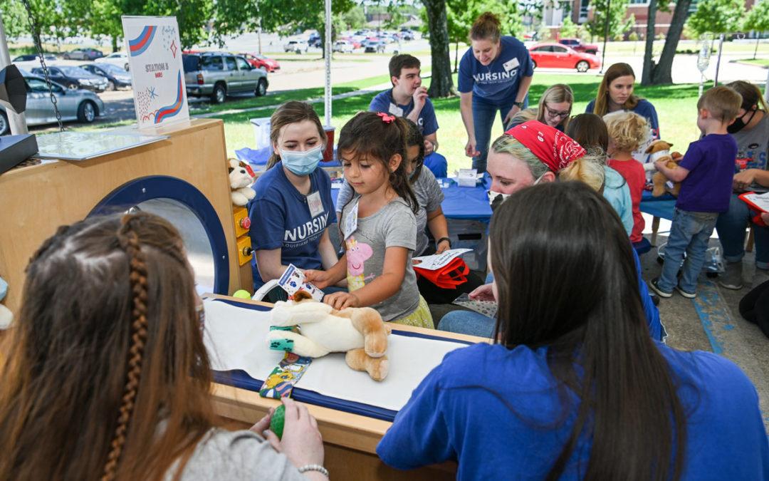 'Bulldog Clinic' educates, entertains ECEC students