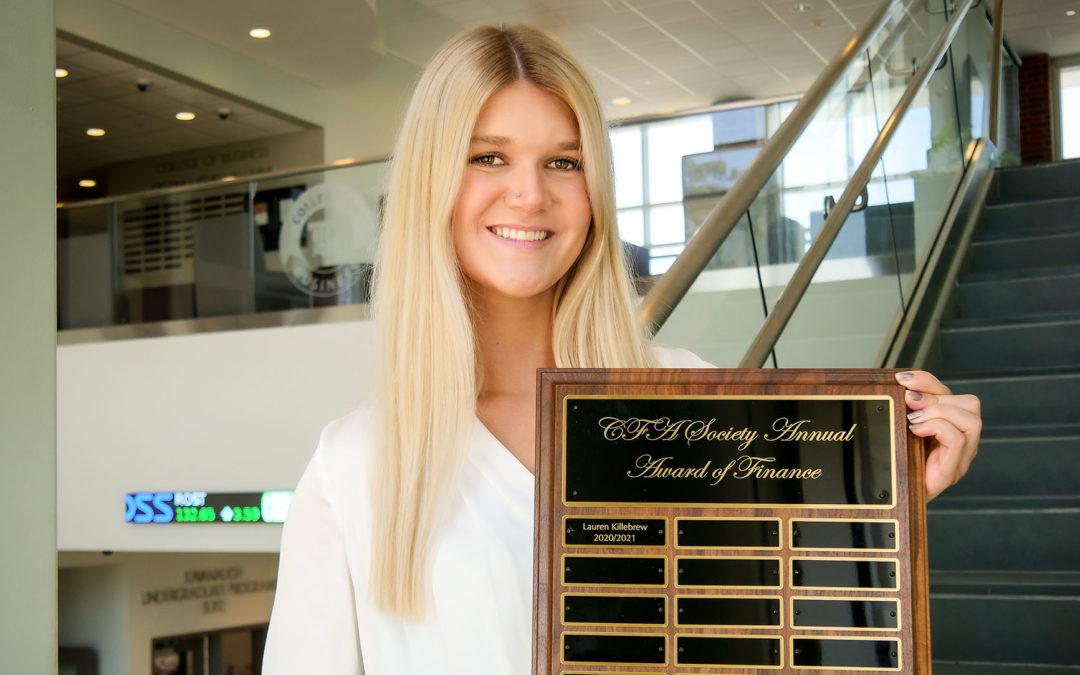 Finance grad receives inaugural CFA Society award